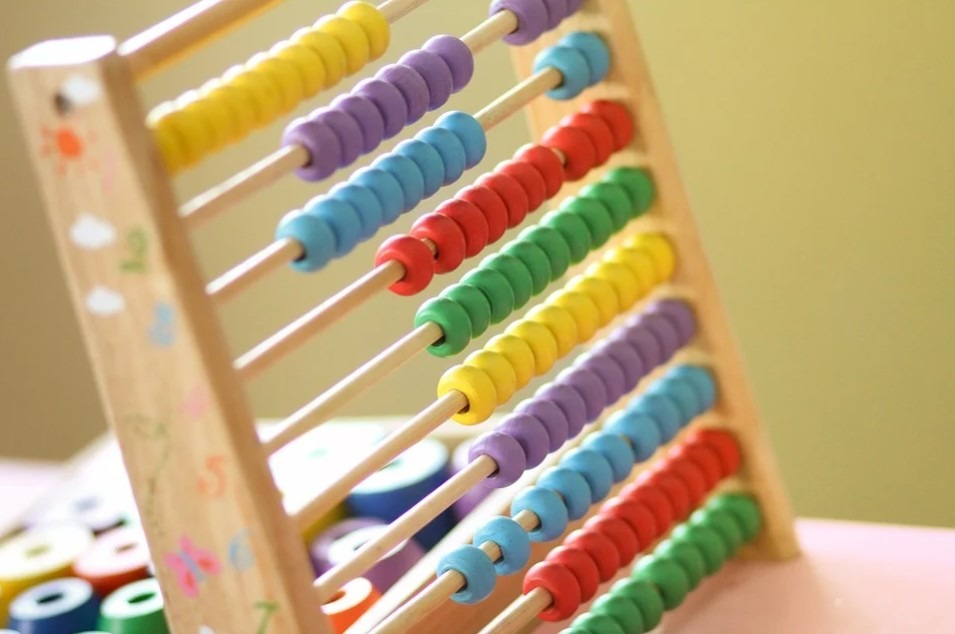 abacus-calculus-classroom-count